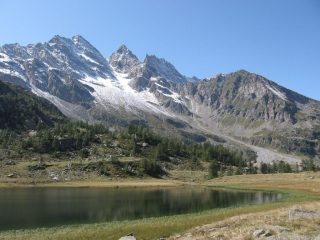 Lago Dres e le Levanne