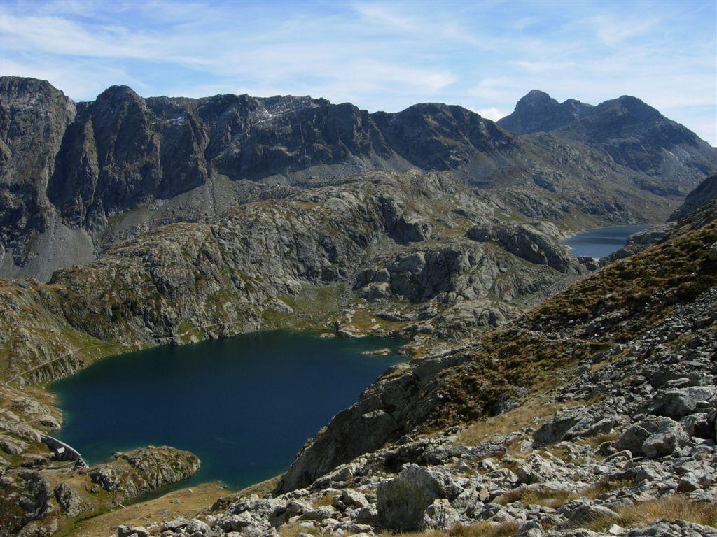 Lac Noir e du Basto, in fondo spunta il Monte Bego