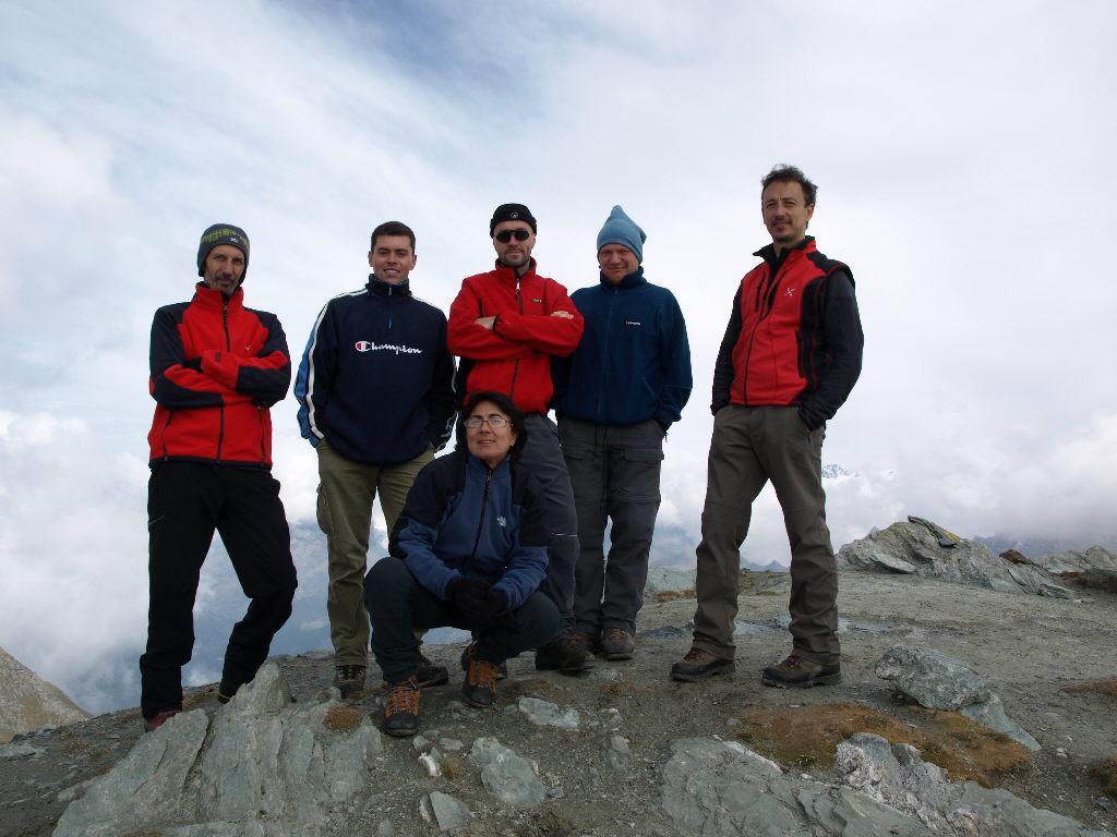 Foto in cima con il gruppo di Pedrito
