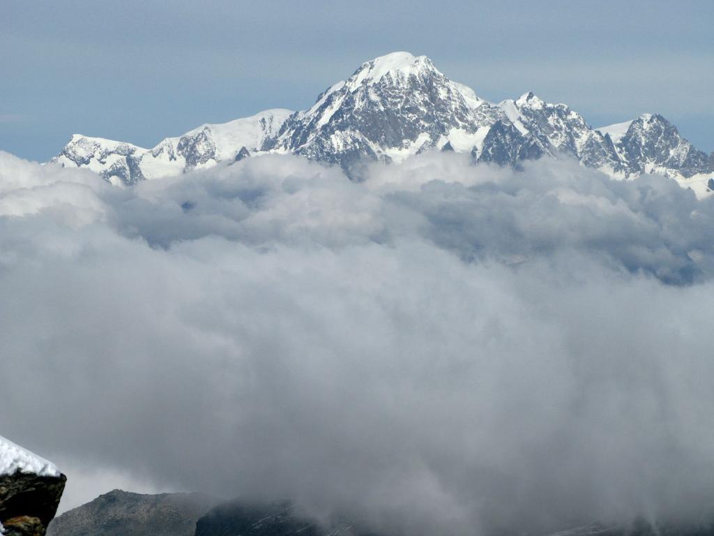 Panorami osservati dalla cima : il Gruppo del Monte Bianco (21-9-2008)