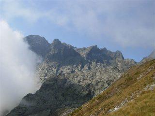 Da sinistra Rocca dell'Abisso, Rocca della Bastera, Cima del Lago dell'Oro