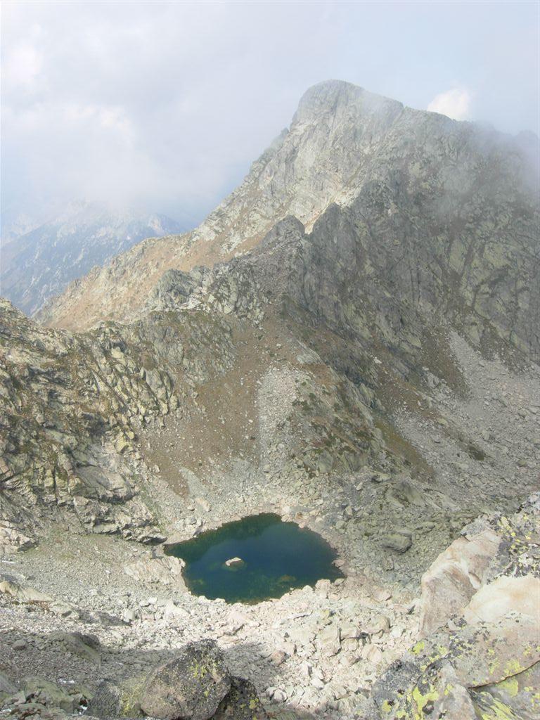 Il Lago dell'Oro e il Monte Frisson