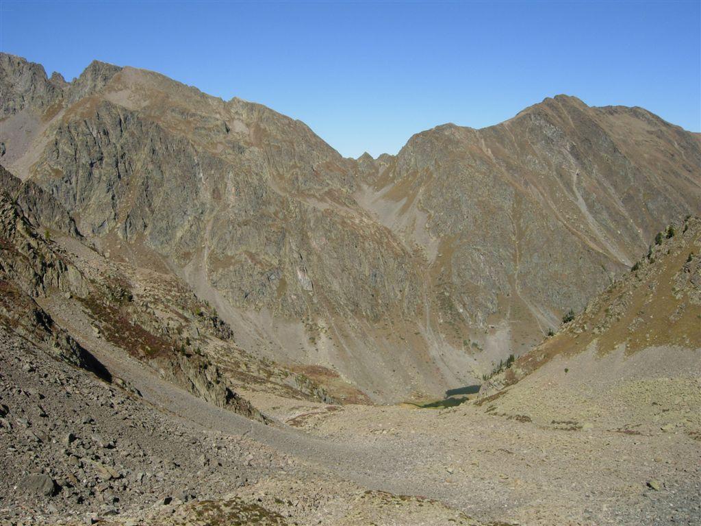 Dal passo di Laroussa verso il Vallone dell'Ischiator