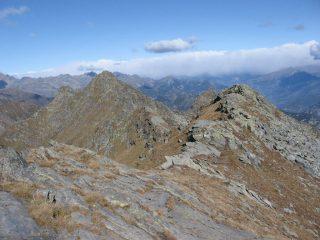 Dalla vetta di Cima Bonze , la cresta verso il Bec delle Steje