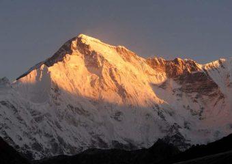 L'alba sul Cho Oyu.