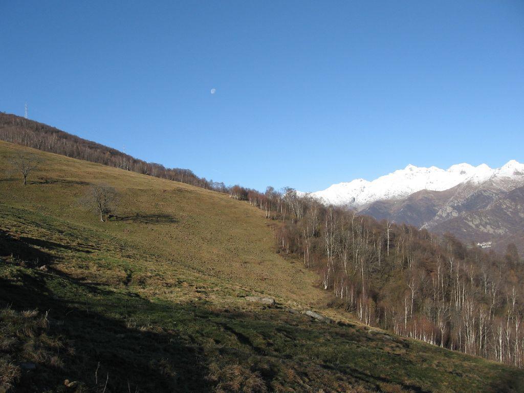 Salendo al Soglio, nei pressi dell'alpe Monsuffietto
