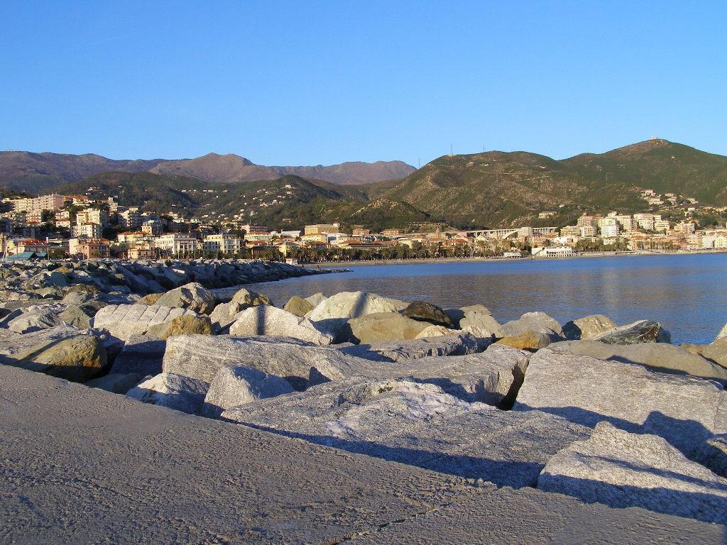 Monte Beigua visto dal porto di Varazze