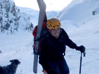 Fabio e cane sul coulour Bianco. Dove sarà Federica?