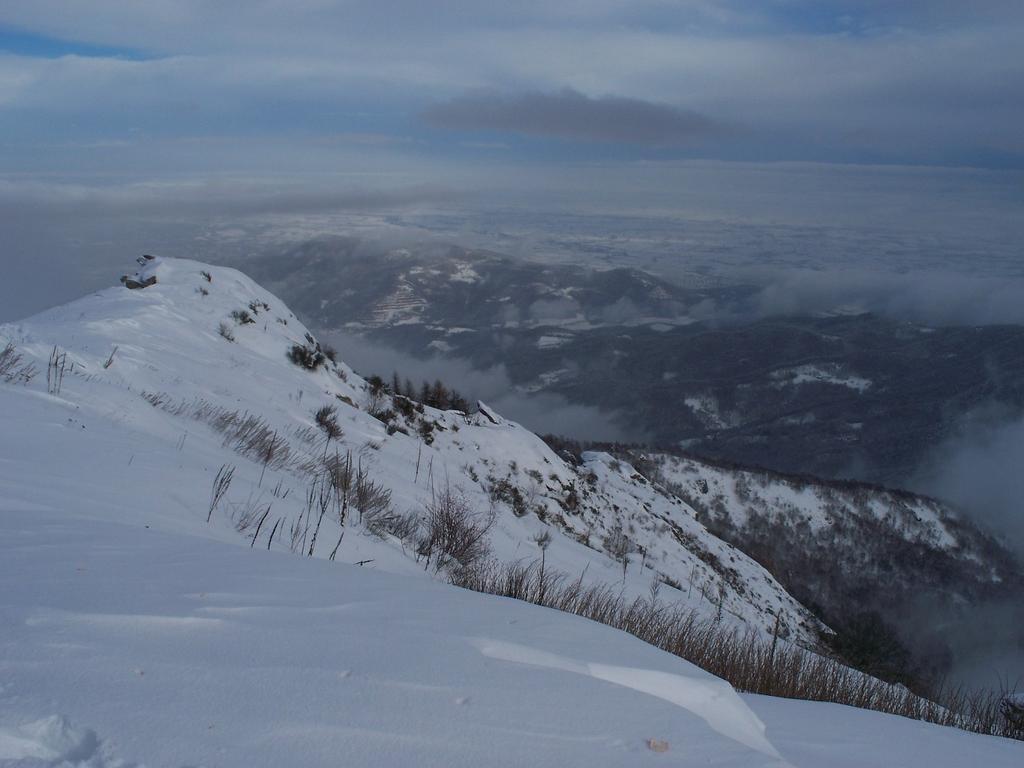 Dalla cima in direzione di Villar S. Costanzo