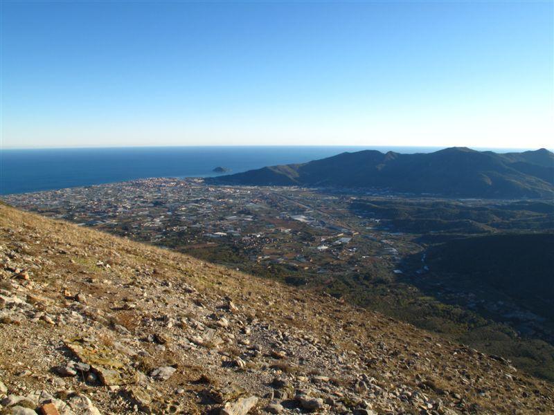 La piana di Albenga e l'Isola Gallinara