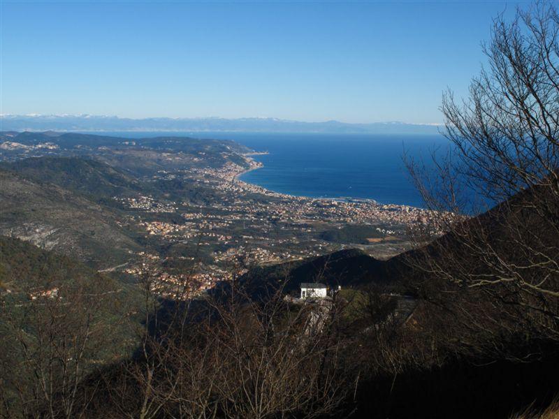 Il Santuario di Monte Croce e il golfo ligure