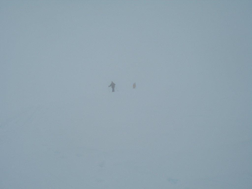 discesa nella nebbia