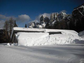 la quantità impressionante di neve alla malga pramper