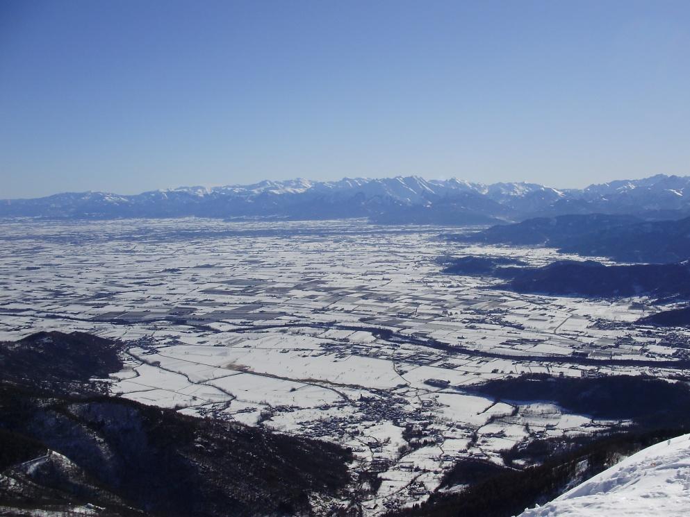 La cima: un balcome sulla pianura