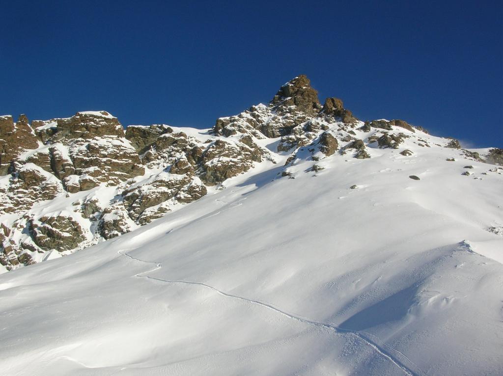 Primo e secondo canalino visti dall' Arête de Ponton.