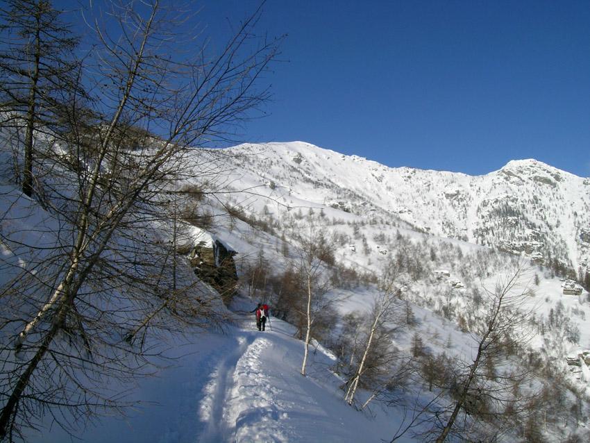 strada a dx di Rocca Ciaramolin