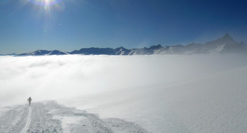 MT sbuca dal mare di nuvole