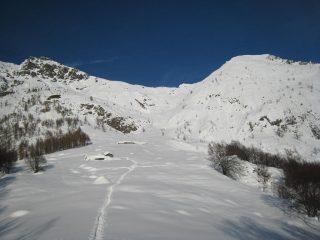 Monte Doubia a sx,cima d'Attia a dx ed al centro il colle d'Attia