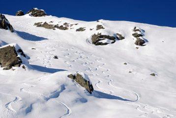Le nastre tracce nella parte alta del vallone