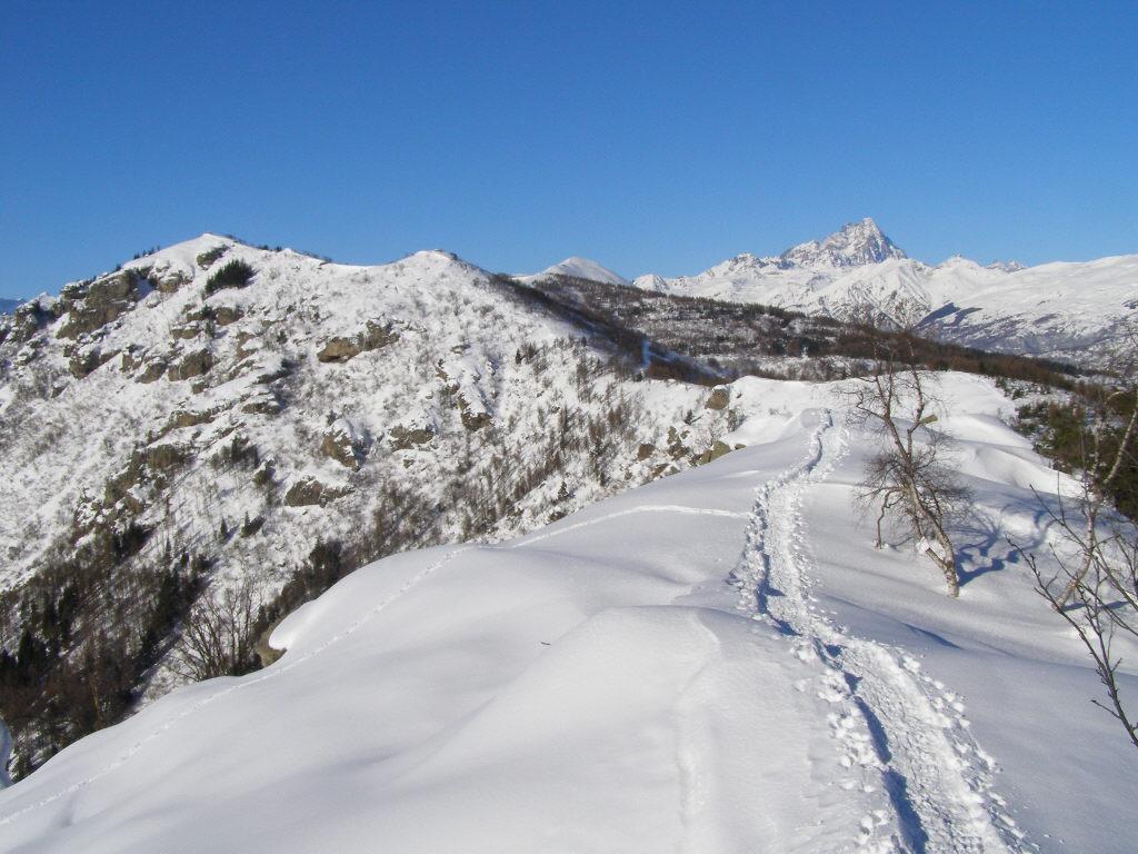 percorso di cresta, in fondo il Roccerè
