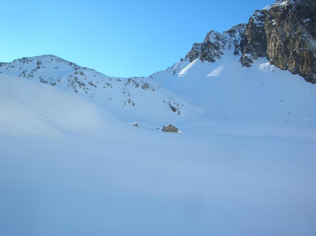 Alpe la Tsa (2317m) nell' alta Comba di Verdona.