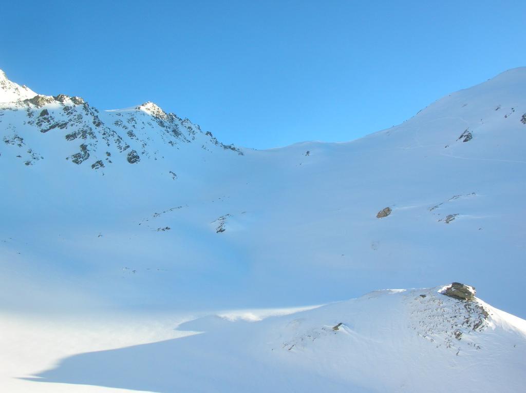 Il Colle di Saint Barthelemy (2645m) alla testata della Comba di Verdona.