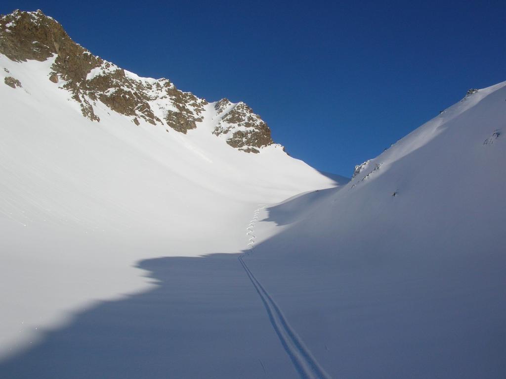 La valletta che scende dal Colle di Vameà (2590m) verso la Comba di Verdona.