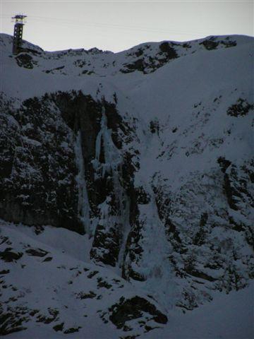 Le tre cascate delle Pisse da lontano