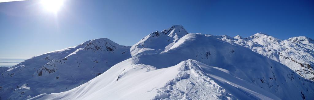 panorama con m. lion - gr. munt - rubbia - borevolo e cima palit