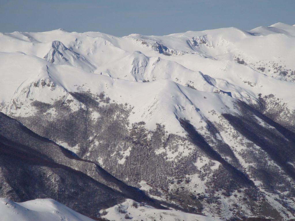 Canzoni (Serra di Monte)da Masseria Parenti per val Tempesta 2009-01-19