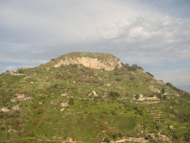 vista dal borgo di Castelmola