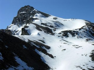 una vista ravvicinata sul versante Nord-Ovest del Monte Cervet dal Colle di Rui (13-5-2007)