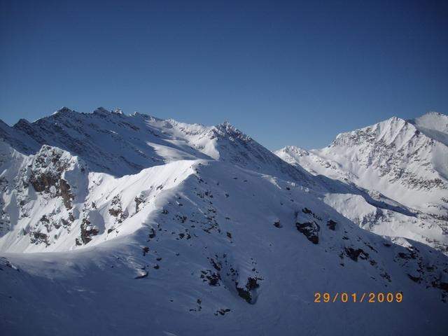 dalla cima verso Baraccone e G.Guglia