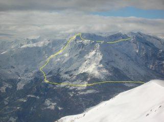 L' itinerario di salita alla Cima Bonze e della traversata da questa alla Bassa di Bonze.