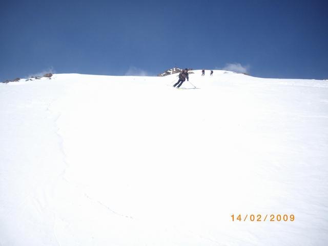 Max sotto la cima, neve discreta