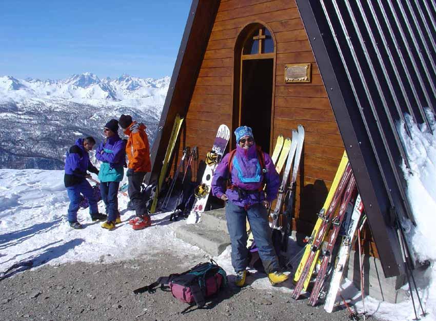 Deposito sci alla cappella