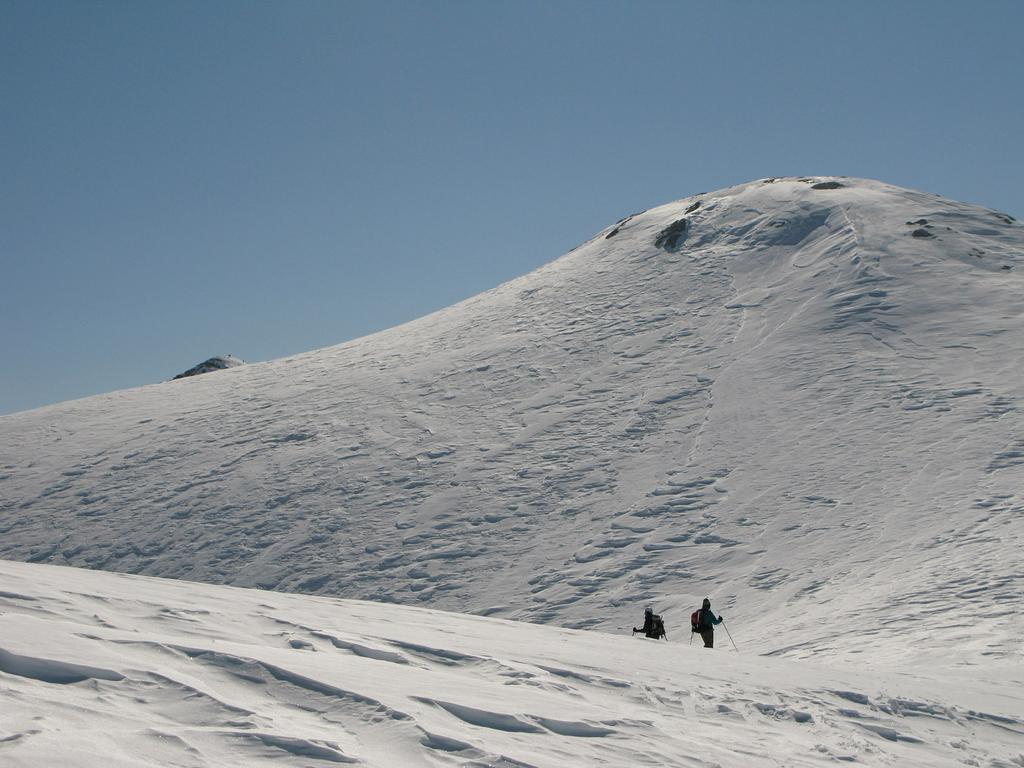 Monte Rotondo e sullo sfondo il Bric Conoia