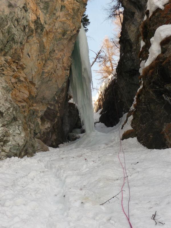 il canale della doppia di discsa, con la stalattite
