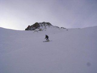 neve bellissima sui pascoli sottostanti