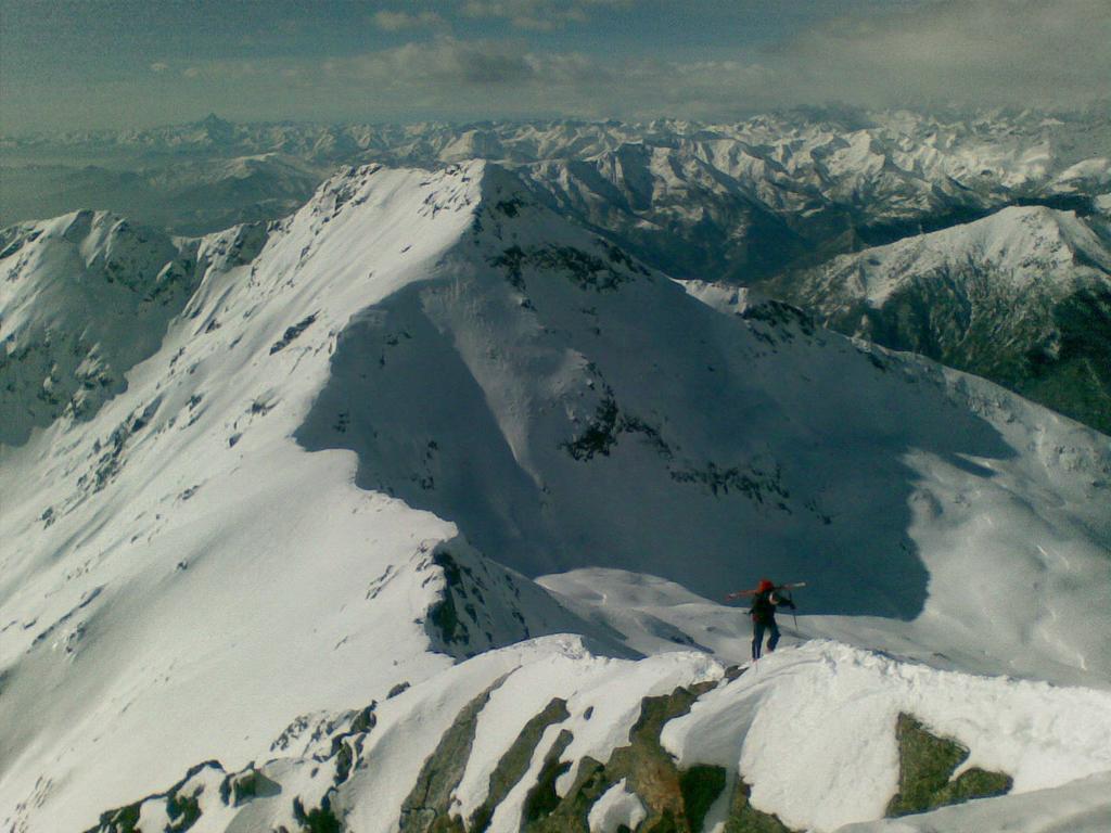 Ultimo tratto di cresta, Quinseina sullo sfondo