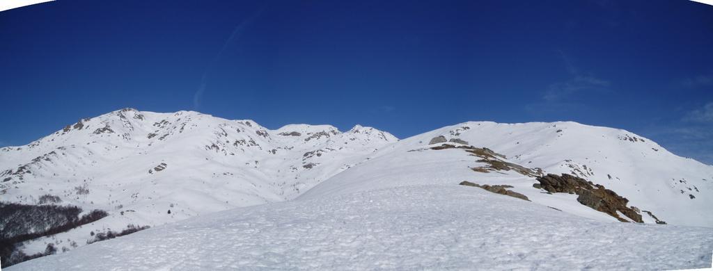 panorama della testata della valle