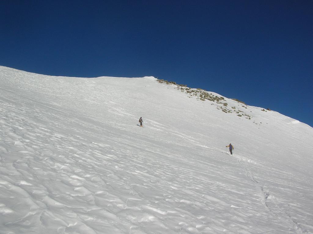 I pendii sottostanti la cima.