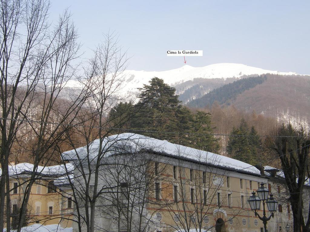 La vettà vista dal parcheggio della Certosa