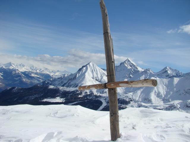 bec Nona e mont Emilius messi in croce