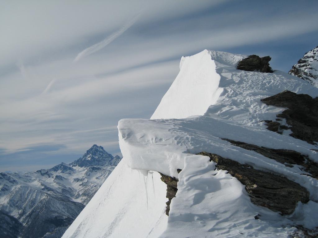 Vista sul Monviso dalla cresta
