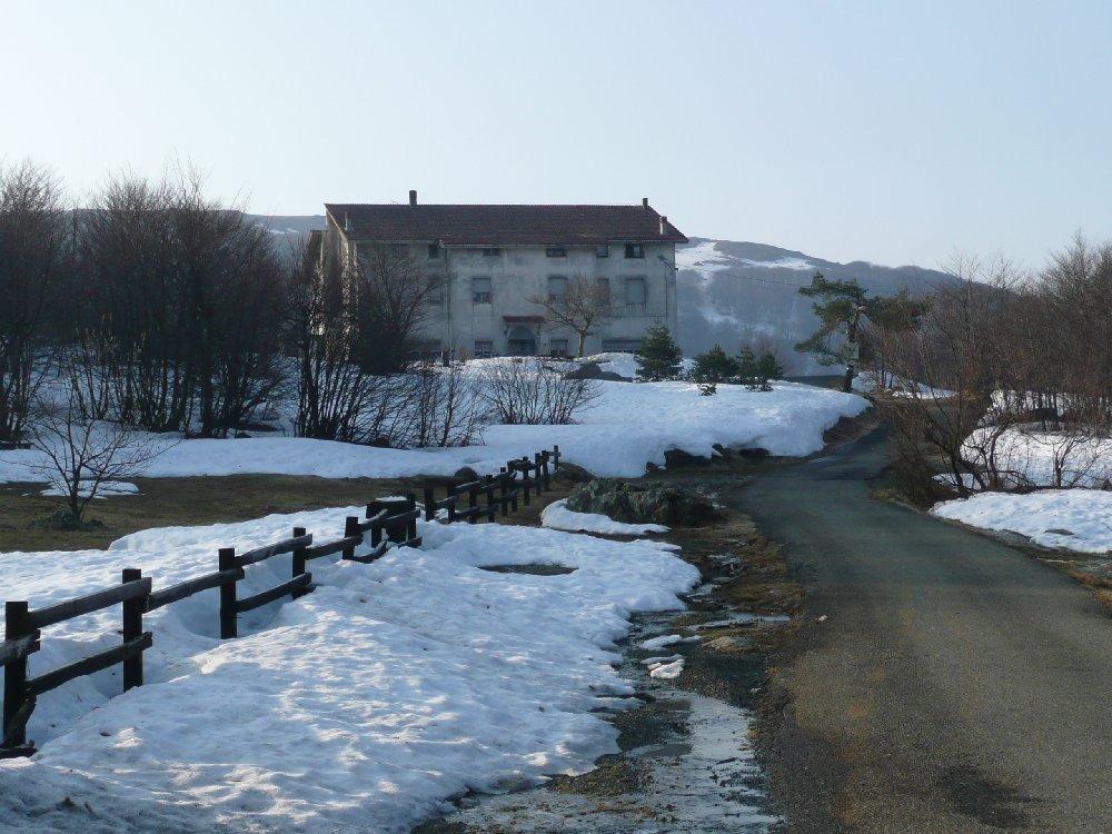 Ancora neve al Faiallo.