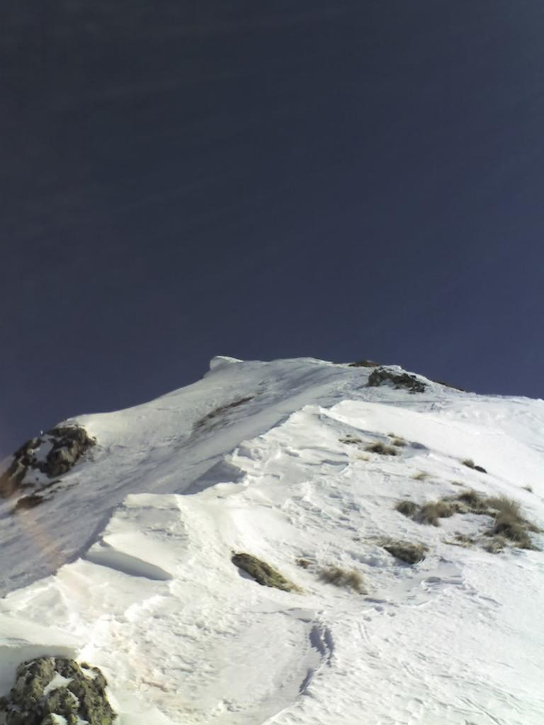 la Cresta Nord-Ovest con il cornicione al