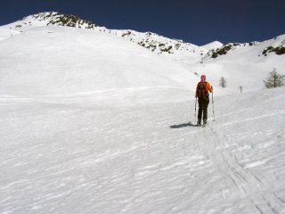 All'inizio del vallone verso la Gran Rossa, sopra il risalto iniziale