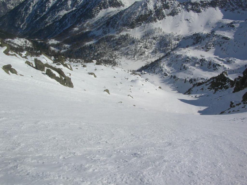 Il pianoro dove sorge l' alpeggio di Vlou superiore (2363m).