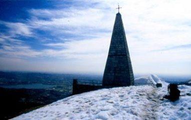 l'obelisco della vetta